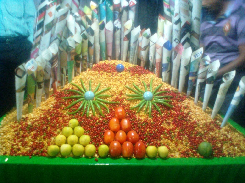 Garnished Bhelpuri