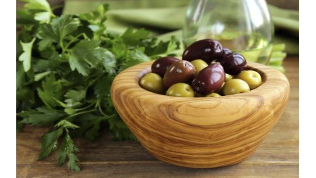 TREAT MOTION SICKNESS WITH OLIVES