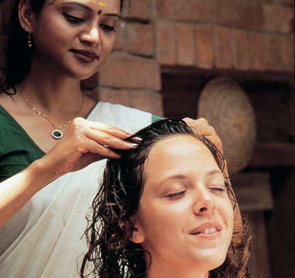 Oil-Massage-to-prevent-hair-loss