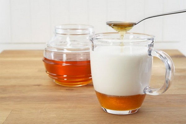 What Will Happen To Your Body If You Drink Almond Milk With Honey Everyday!
