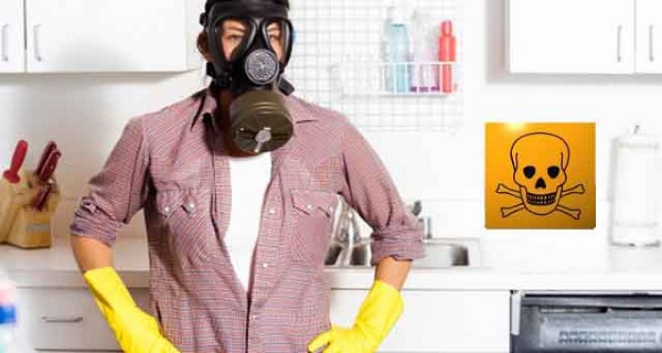 3 Toxic Household Items You Should Throw Away Now!
