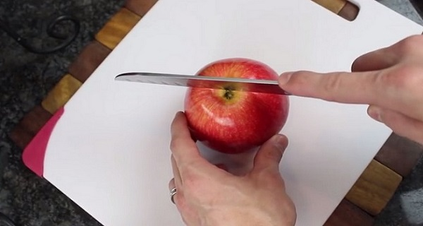 5 Tricks Which You Can Do With Apples!