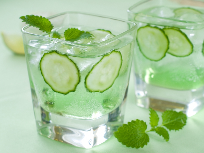 Top 5 Benefits of Drinking Cucumber Water