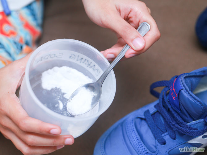 5 Super Easy Ways To Deodorize Smelly Shoes