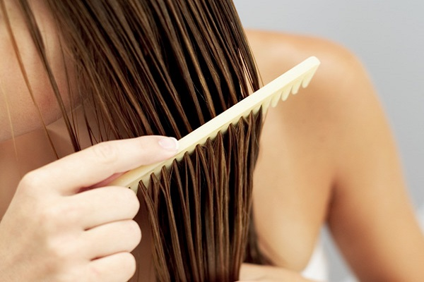 Why You Should Never Go To Bed With Wet Hair