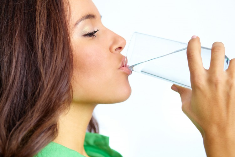 4 Reasons Why You Should Drink More Water